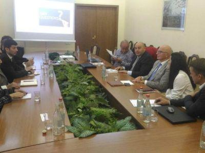 Bespreking op ministerie van landbouw Yerevan